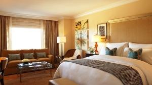 Красивые шторы для гостиницы